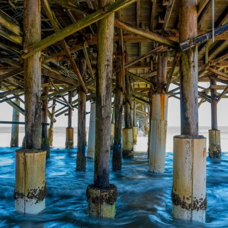 ThomasNeye_Fotograf_Below-the-wooden-pier